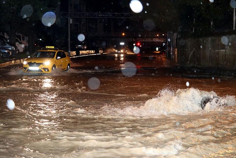 İzmir'de şiddetli yağış