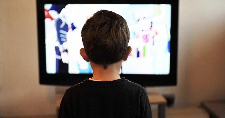 Çocuğunuz televizyonu yakından ve yüksek sesle izliyorsa...