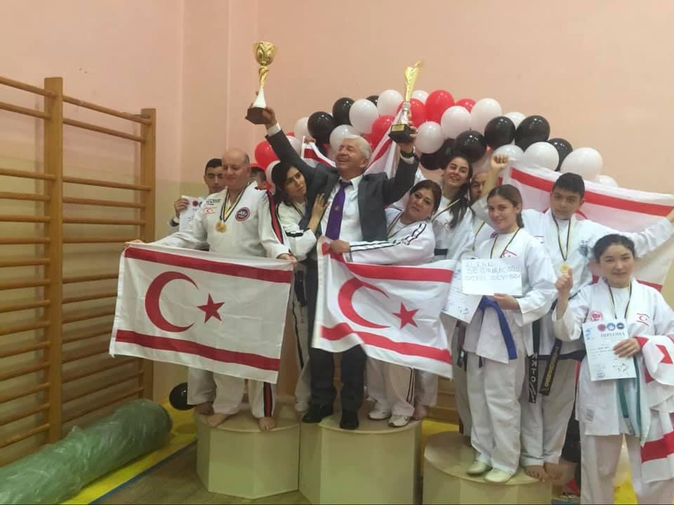 Kıbrıs Taekwondo Milli Takımı, Ukrayna'da şampiyon oldu