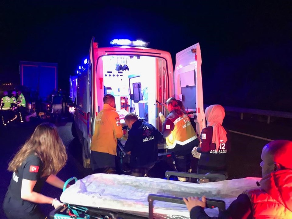 Düzce'de trafik kazası: 5 kişi öldü, 6 kişi yaralandı
