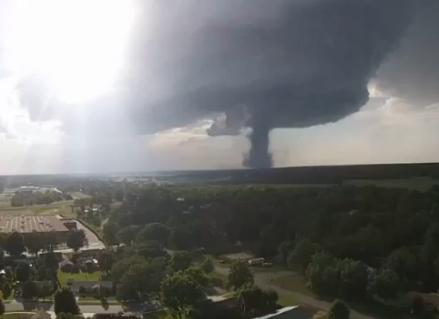 Dev tornado böyle görüntülendi!