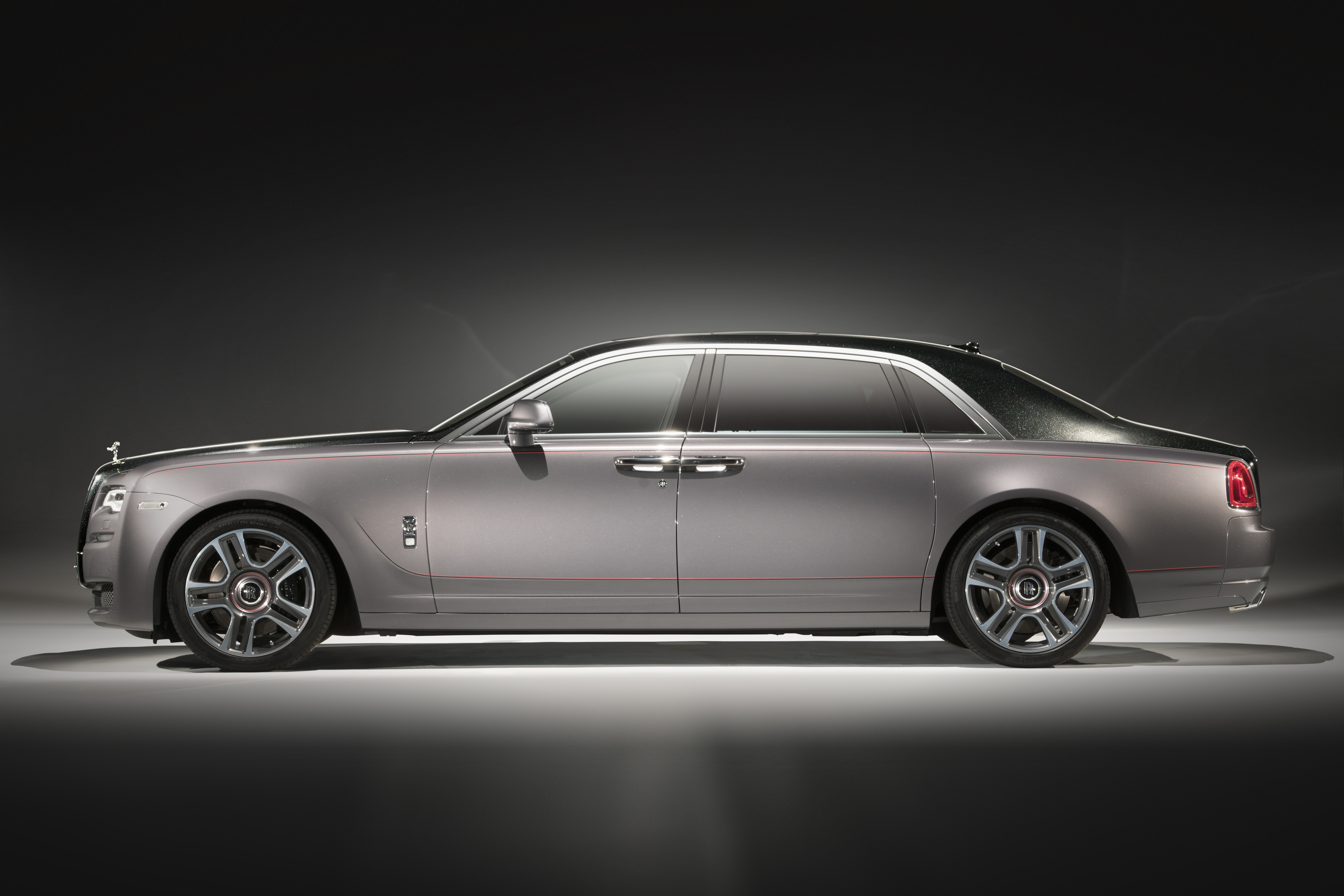 Rolls- Royce Elegance