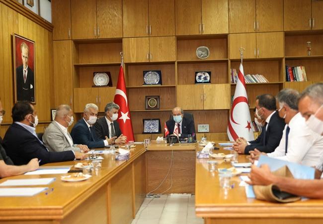 Başbakan Tatar, Ekonomik Örgüt Temsilcileriyle bir araya geldi