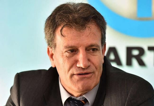 Erhan Arıklı'dan, Gezici Anketi sonuçlarına tepki: Murat Gezici'ye 'mor kravat' aldı