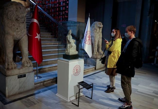Kybele heykeli ziyaretçilerini ağırlamaya başladı