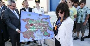 """Yunan Cumhurbaşkanı Rum Kesimi ziyareti öncesi Türkiye'yi hedef aldı: """"Türkiye Ada'da işgalci"""""""