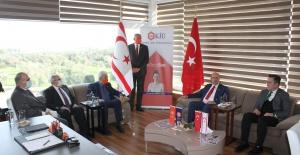Cumhurbaşkanı Tatar KİÜyi ziyaret...